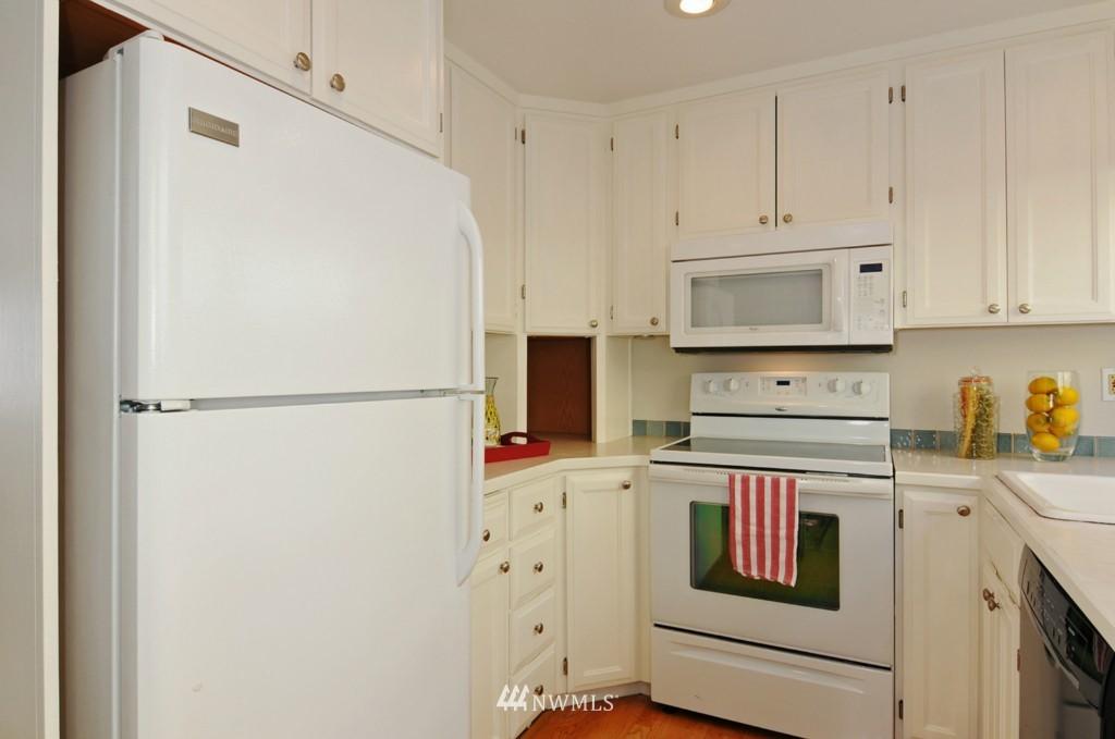 Sold Property   509 NE 65th Street #6337 Seattle, WA 98105 7