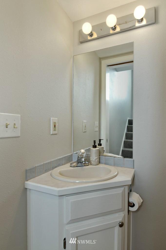 Sold Property   509 NE 65th Street #6337 Seattle, WA 98105 9