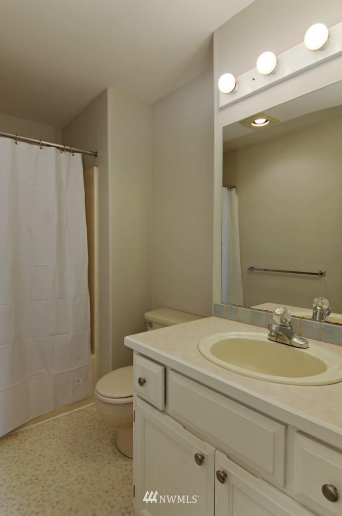Sold Property   509 NE 65th Street #6337 Seattle, WA 98105 15