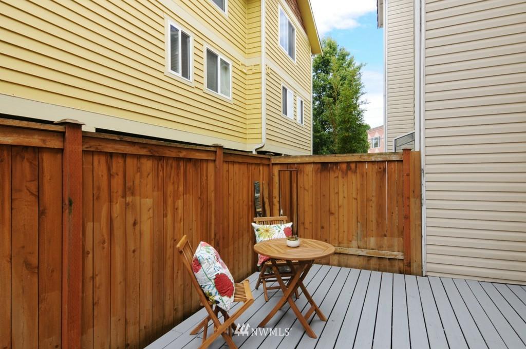 Sold Property   509 NE 65th Street #6337 Seattle, WA 98105 18