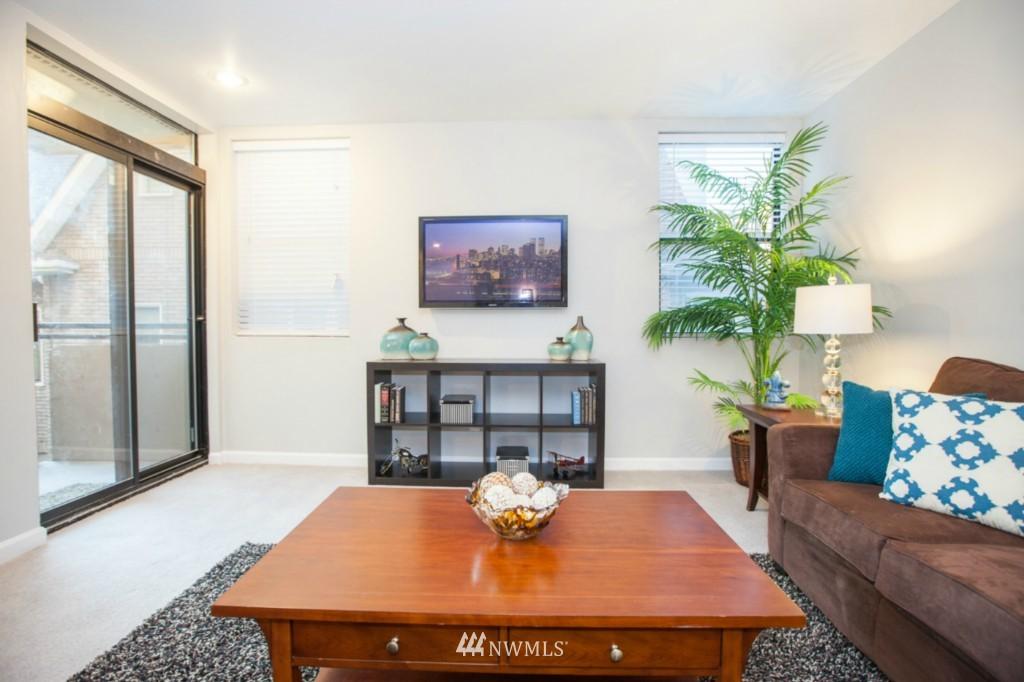 Sold Property   730 Bellevue Avenue E #204 Seattle, WA 98102 3