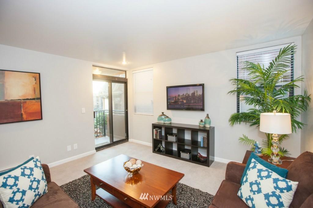 Sold Property   730 Bellevue Avenue E #204 Seattle, WA 98102 5