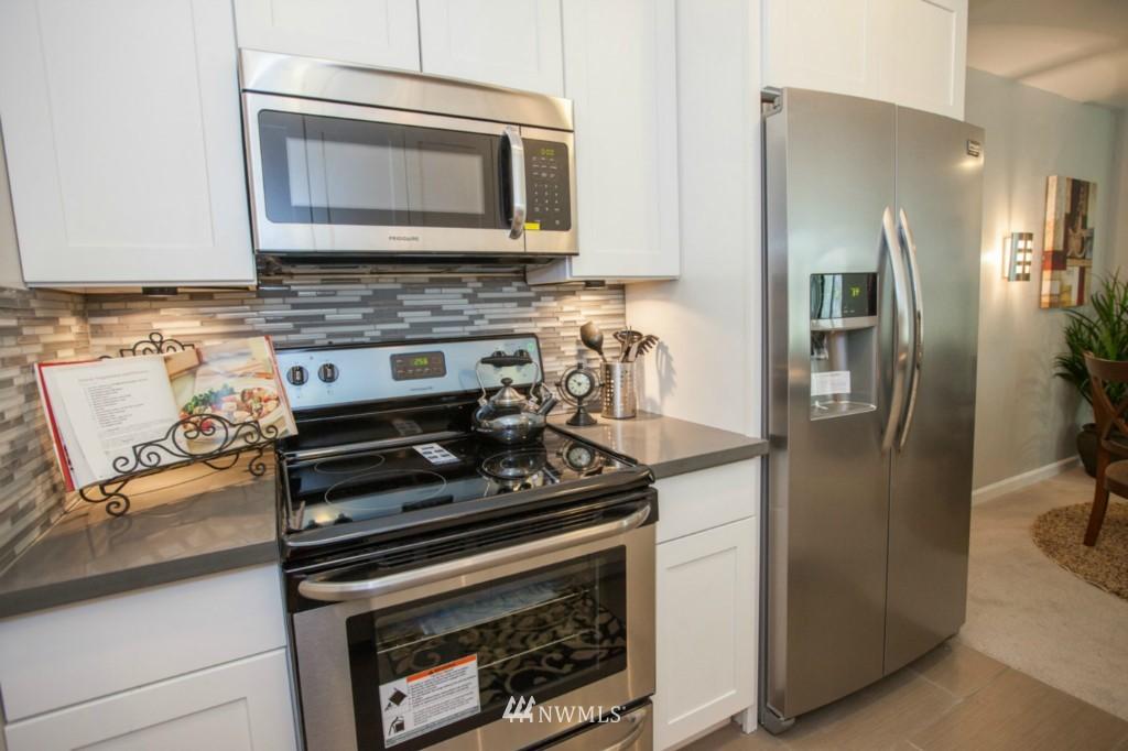 Sold Property   730 Bellevue Avenue E #204 Seattle, WA 98102 7