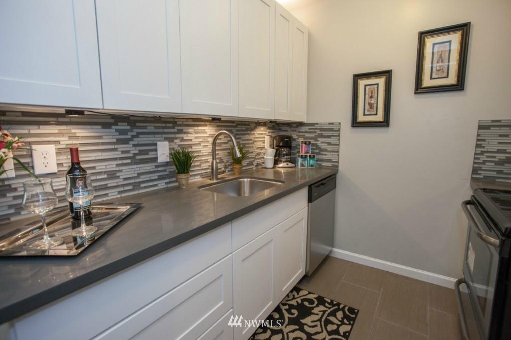 Sold Property   730 Bellevue Avenue E #204 Seattle, WA 98102 9