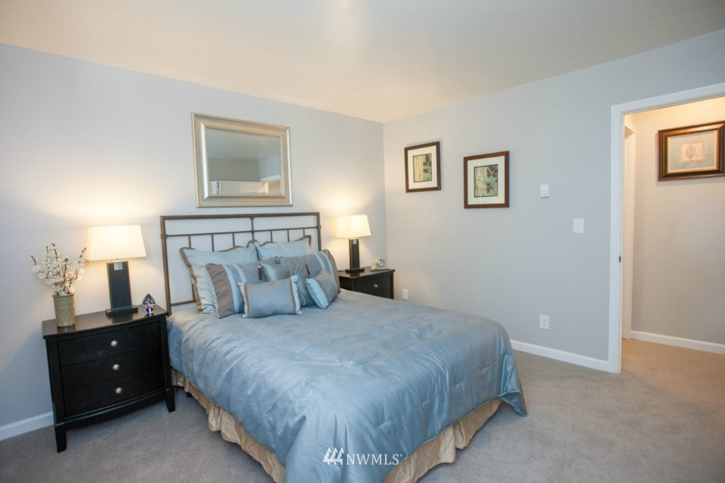 Sold Property   730 Bellevue Avenue E #204 Seattle, WA 98102 14