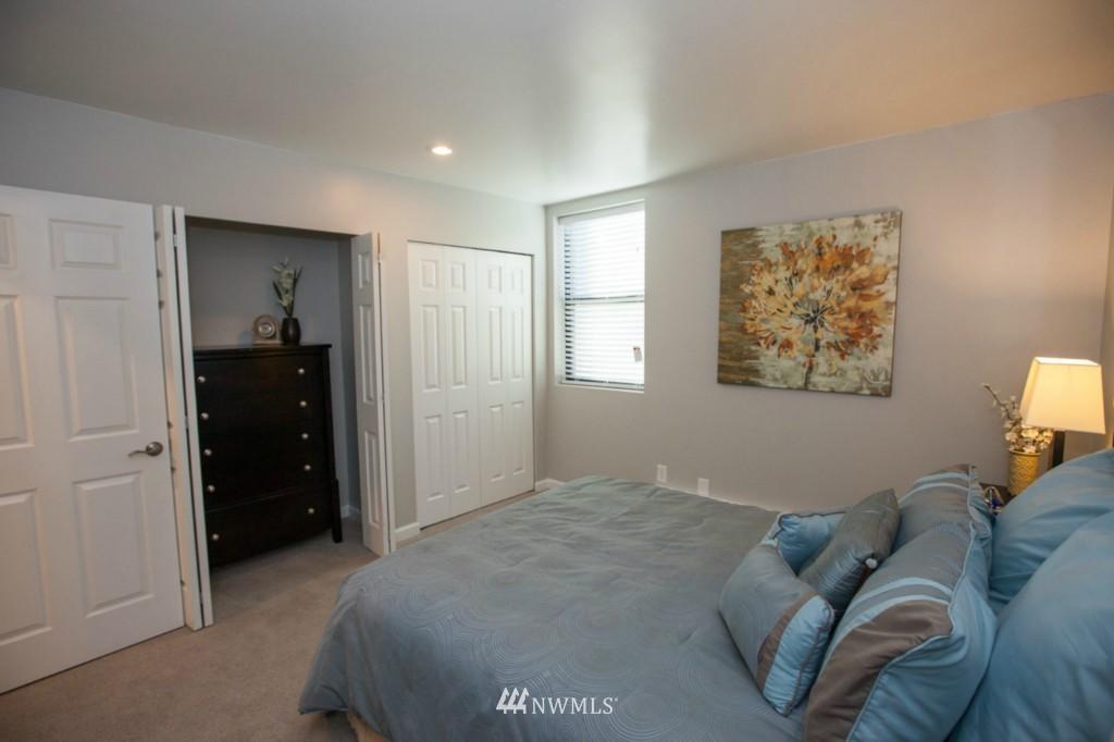 Sold Property   730 Bellevue Avenue E #204 Seattle, WA 98102 16