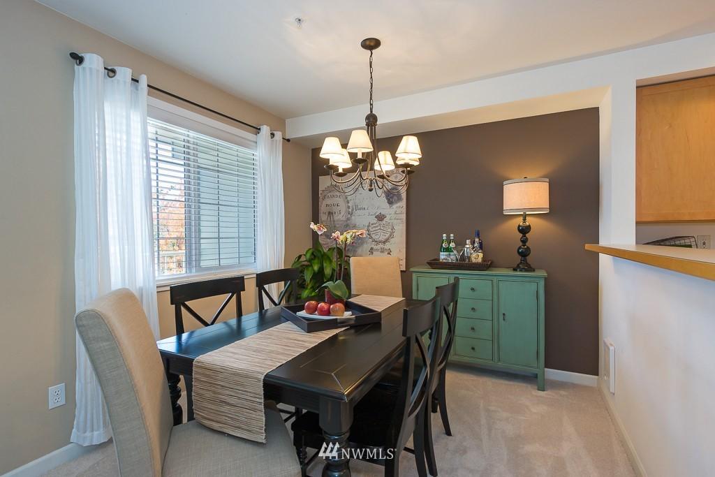 Sold Property | 7301 5th Avenue NE #301 Seattle, WA 98115 5