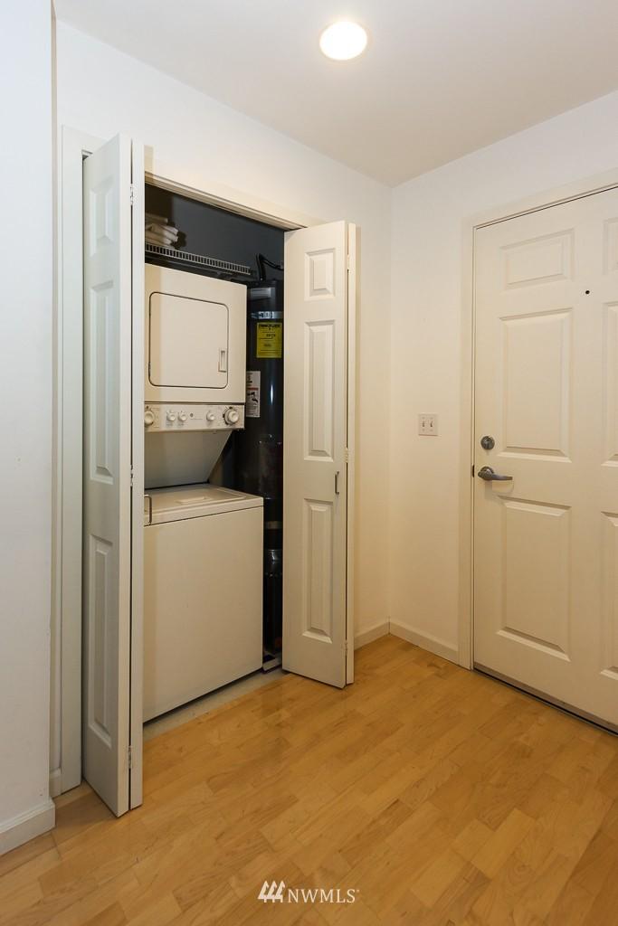 Sold Property | 7301 5th Avenue NE #301 Seattle, WA 98115 12