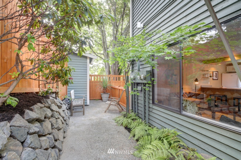 Sold Property | 202 25th Avenue E #D Seattle, WA 98112 0