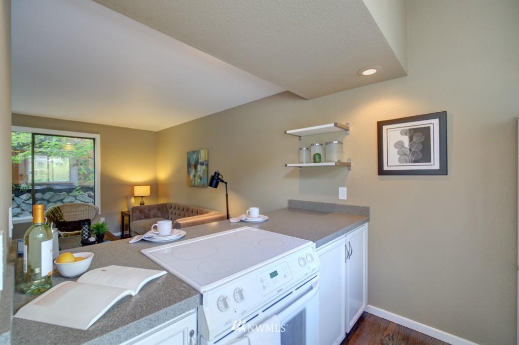 Sold Property | 202 25th Avenue E #D Seattle, WA 98112 5
