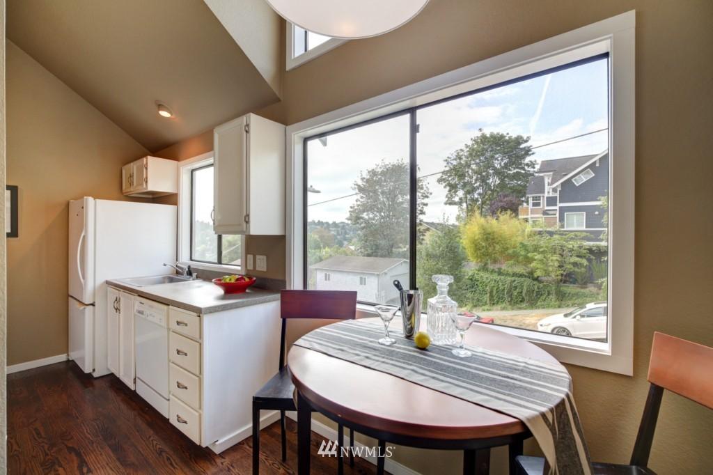 Sold Property | 202 25th Avenue E #D Seattle, WA 98112 6