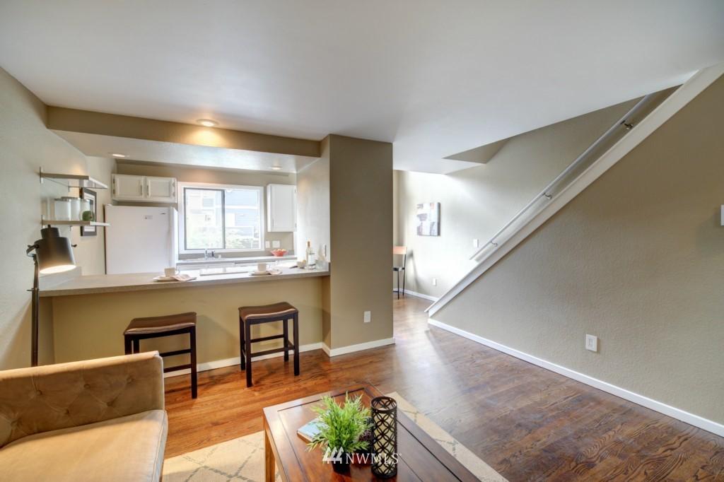 Sold Property | 202 25th Avenue E #D Seattle, WA 98112 8