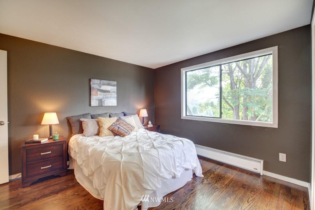 Sold Property | 202 25th Avenue E #D Seattle, WA 98112 10