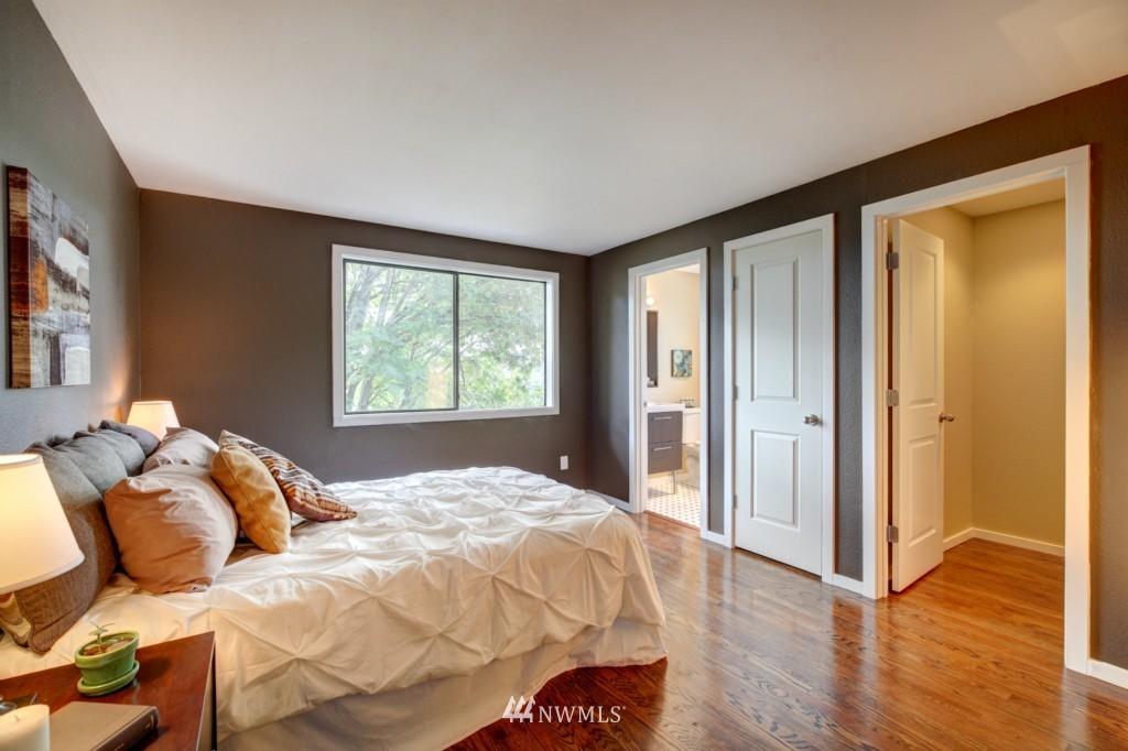 Sold Property | 202 25th Avenue E #D Seattle, WA 98112 11