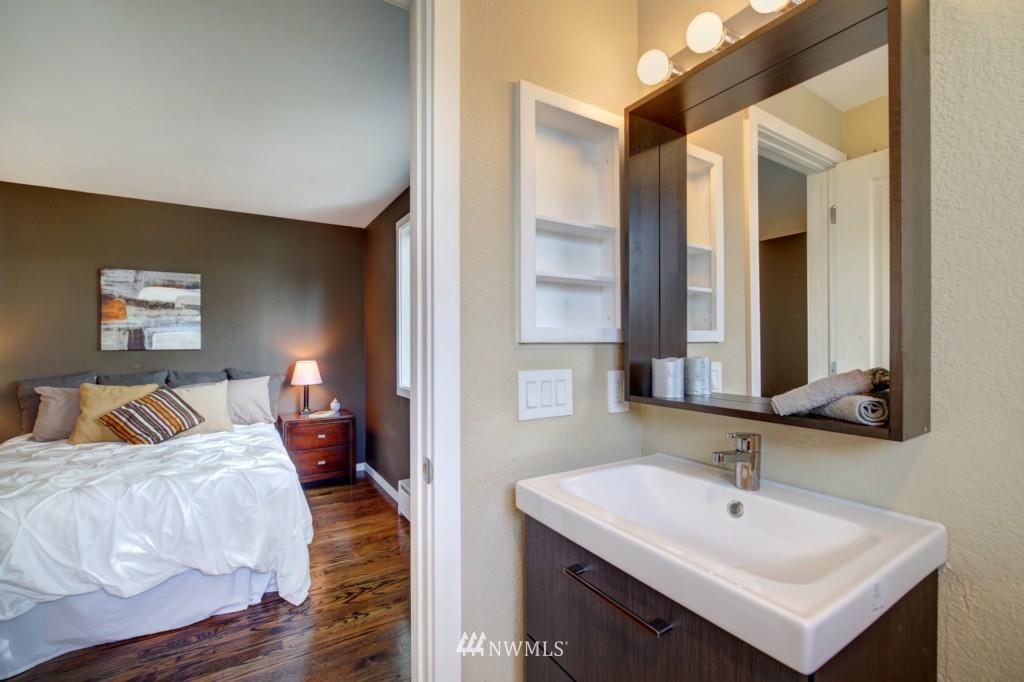 Sold Property | 202 25th Avenue E #D Seattle, WA 98112 13