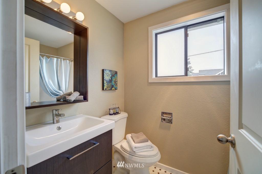 Sold Property | 202 25th Avenue E #D Seattle, WA 98112 14
