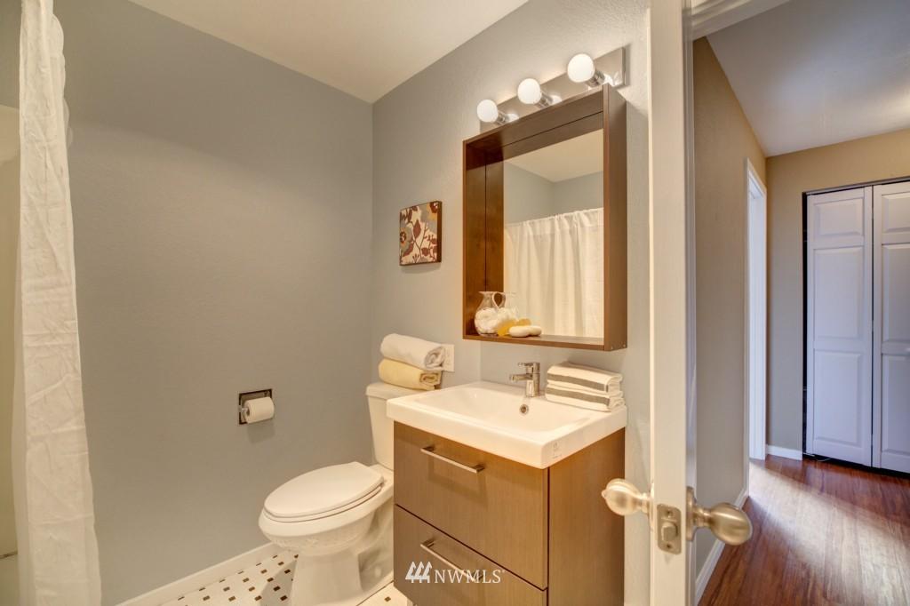 Sold Property | 202 25th Avenue E #D Seattle, WA 98112 16