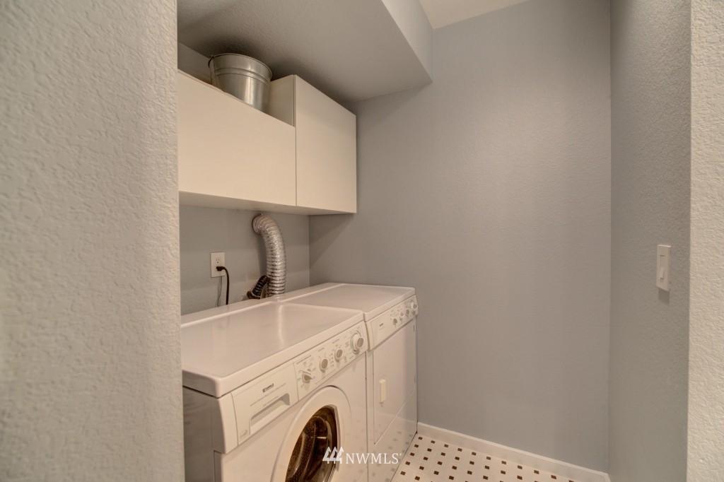Sold Property | 202 25th Avenue E #D Seattle, WA 98112 18
