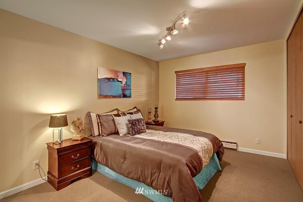 Sold Property | 500 W Olympic Place #402 Seattle, WA 98119 9