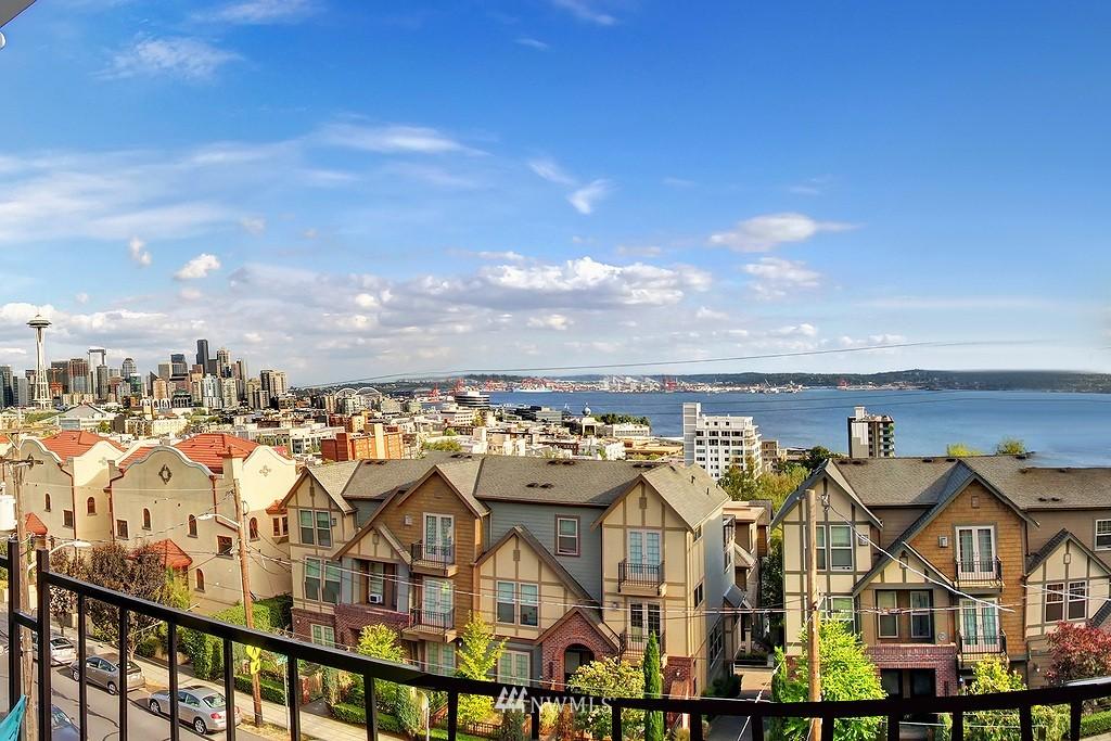 Sold Property | 500 W Olympic Place #402 Seattle, WA 98119 15