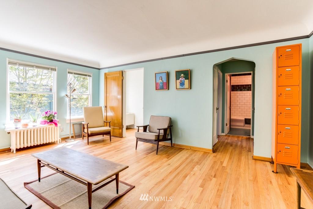 Sold Property | 1427 3rd Avenue W #9 Seattle, WA 98119 3