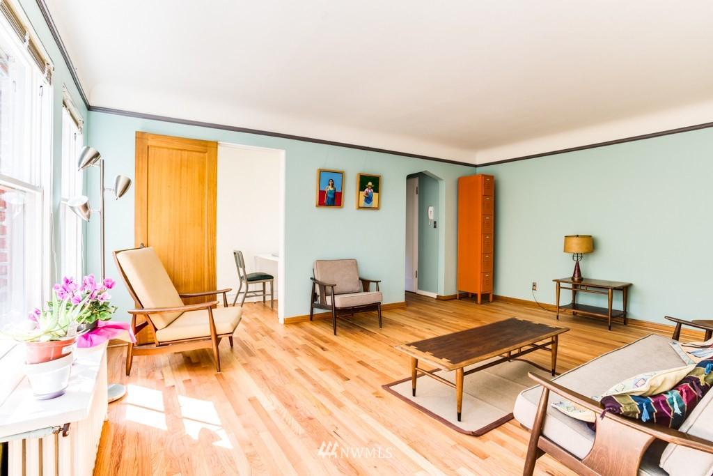 Sold Property | 1427 3rd Avenue W #9 Seattle, WA 98119 5
