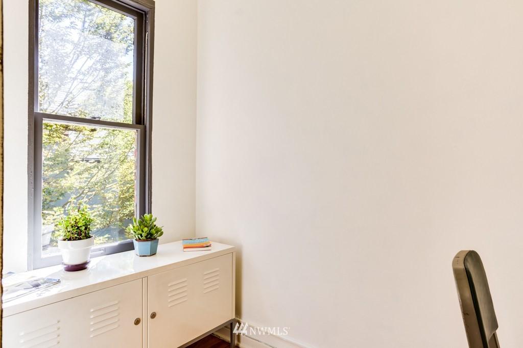 Sold Property | 1427 3rd Avenue W #9 Seattle, WA 98119 9