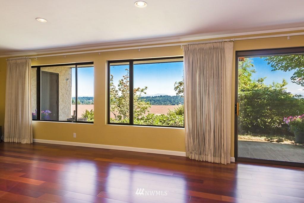 Sold Property | 1720 NE 179th Street #B-103 Shoreline, WA 98155 2