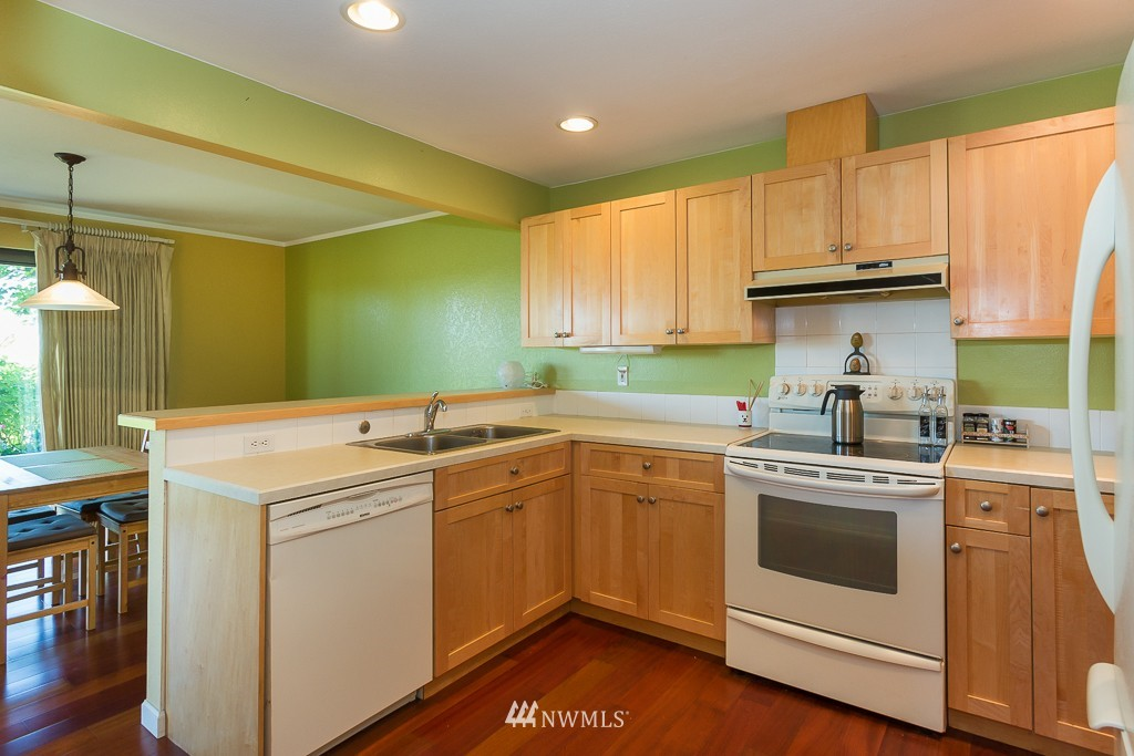 Sold Property | 1720 NE 179th Street #B-103 Shoreline, WA 98155 6