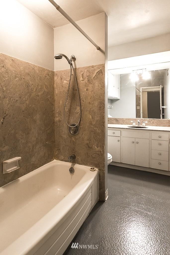 Sold Property | 308 E Republican Street #901 Seattle, WA 98102 10