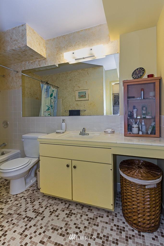 Sold Property | 308 E Republican Street #813 Seattle, WA 98102 10