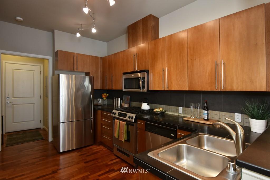 Sold Property | 124 Bellevue Avenue E #700 Seattle, WA 98102 9