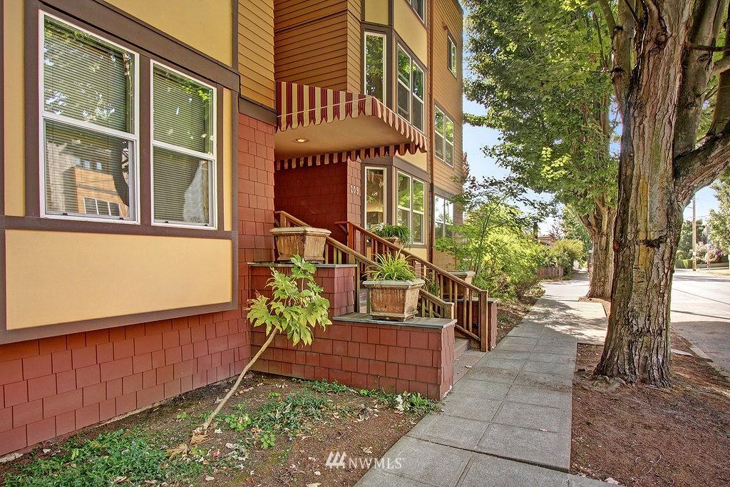 Sold Property | 209 N 39th Street #101 Seattle, WA 98103 0