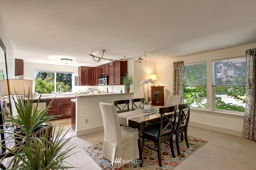 Sold Property | 209 N 39th Street #101 Seattle, WA 98103 3