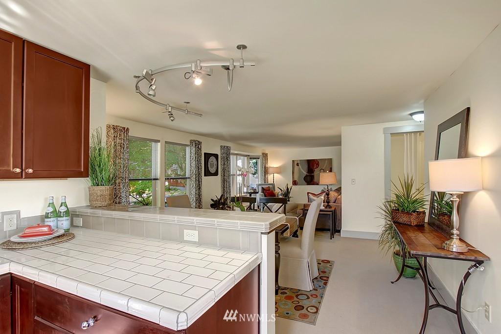 Sold Property | 209 N 39th Street #101 Seattle, WA 98103 6