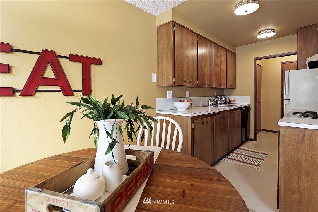 Sold Property   8217 5th Avenue NE #202 Seattle, WA 98115 5