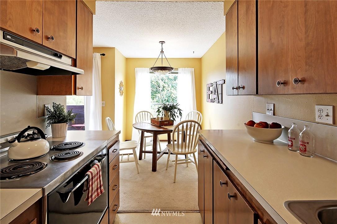 Sold Property   8217 5th Avenue NE #202 Seattle, WA 98115 7