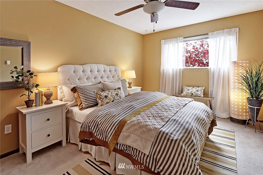 Sold Property   8217 5th Avenue NE #202 Seattle, WA 98115 6
