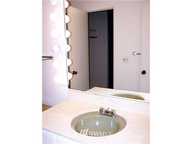 Sold Property | 6263 137th Place NE #230 Redmond, WA 98052 6