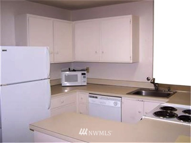 Sold Property | 6263 137th Place NE #230 Redmond, WA 98052 9