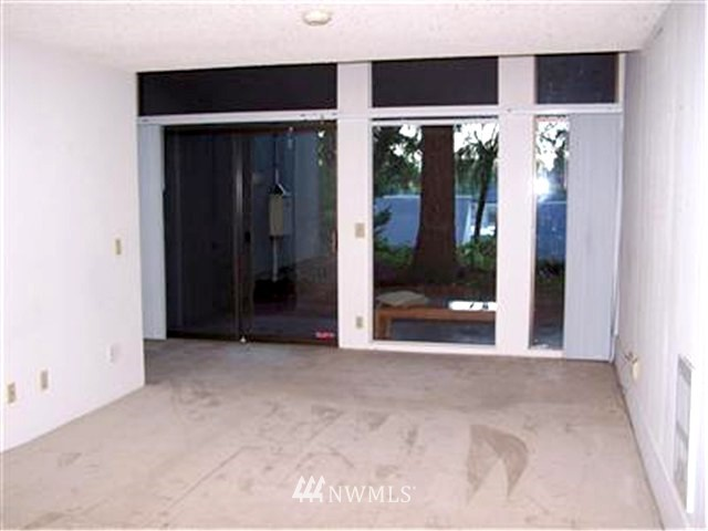 Sold Property | 6263 137th Place NE #230 Redmond, WA 98052 10