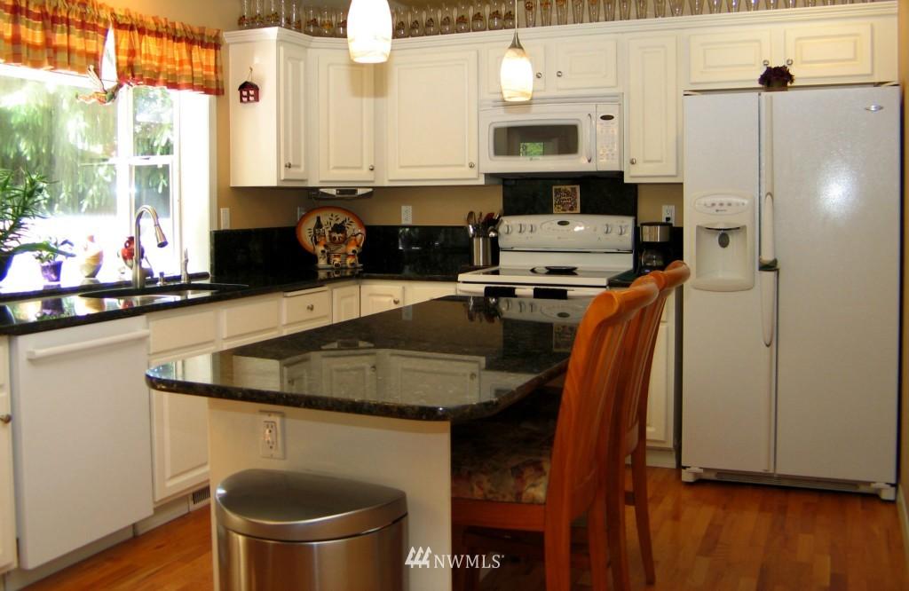 Sold Property | 431 SW 352nd Street Federal Way, WA 98023 6