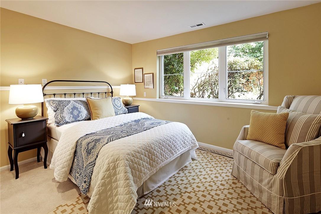 Sold Property | 6232 53rd Avenue NE Seattle, WA 98115 16