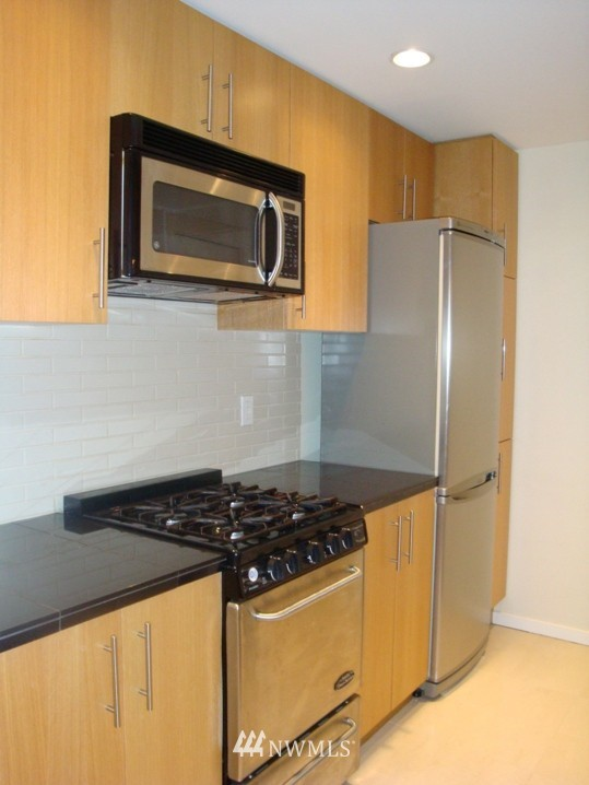 Sold Property   2721 1st Ave #509 Seattle, WA 98121 3