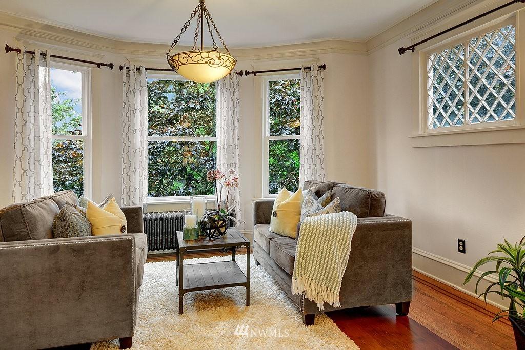 Sold Property | 521 16th Avenue E #3 Seattle, WA 98112 5