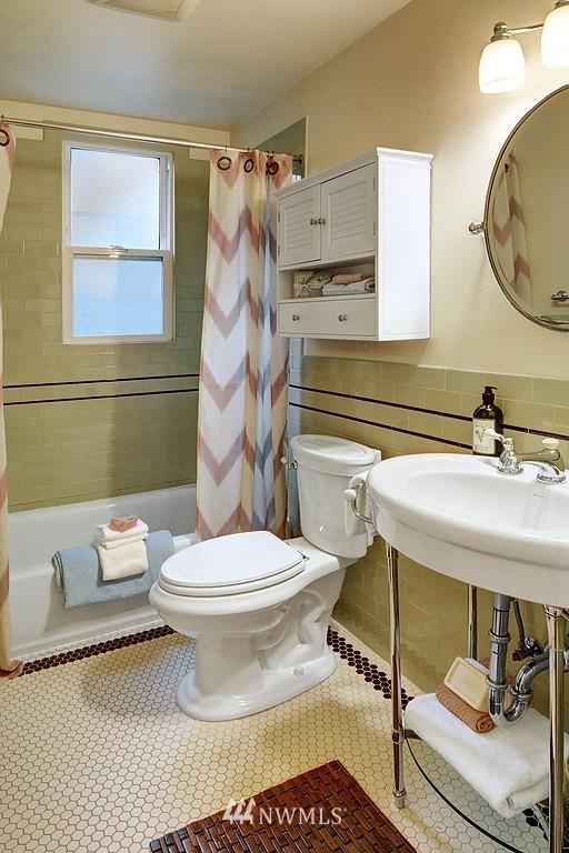 Sold Property | 521 16th Avenue E #3 Seattle, WA 98112 7