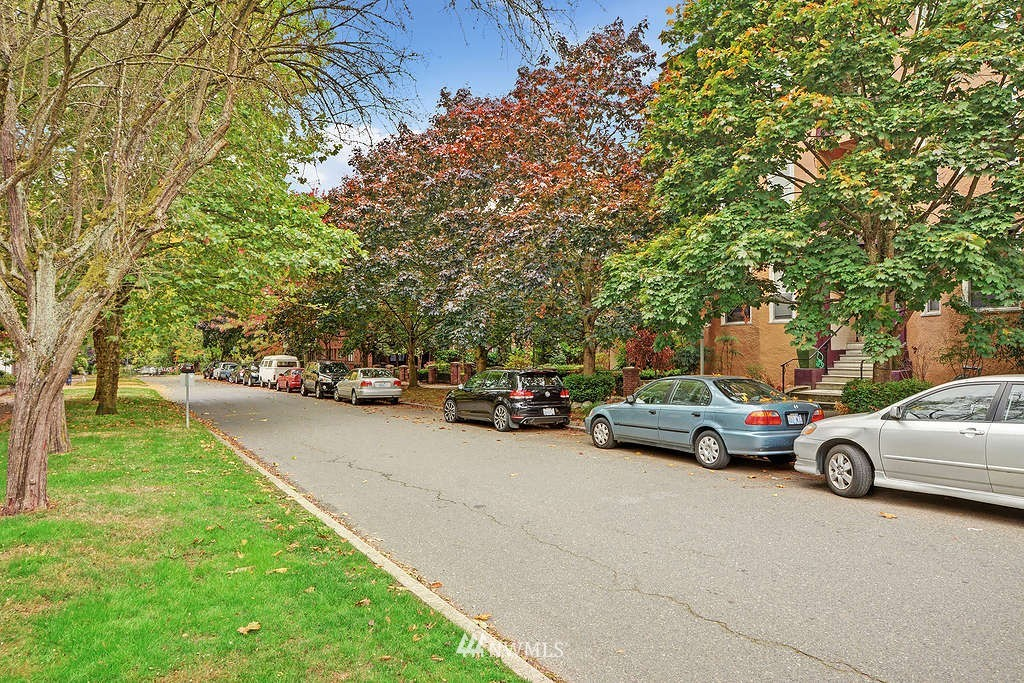 Sold Property | 521 16th Avenue E #3 Seattle, WA 98112 11