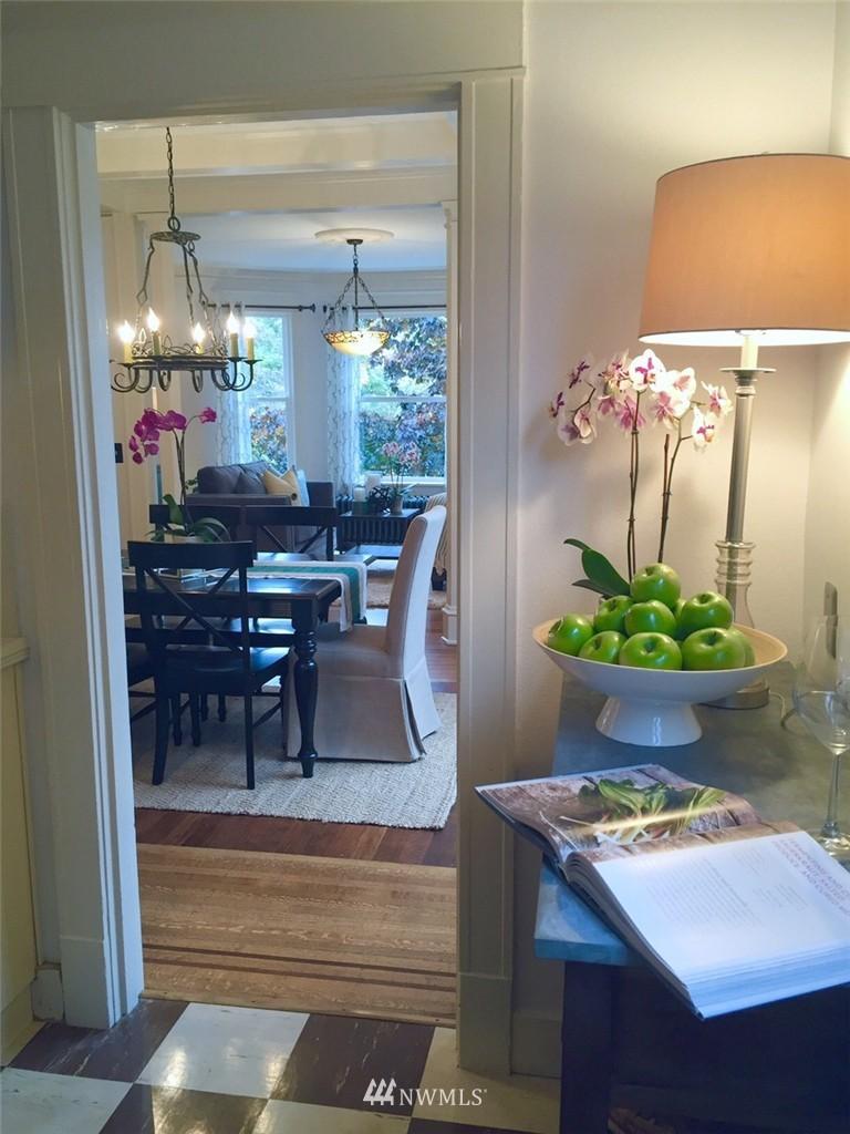 Sold Property | 521 16th Avenue E #3 Seattle, WA 98112 3