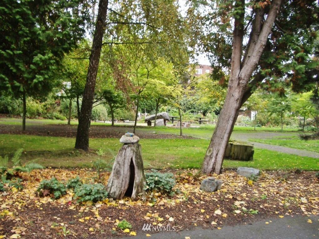 Sold Property | 1800 Taylor Avenue N #1 Seattle, WA 98109 14