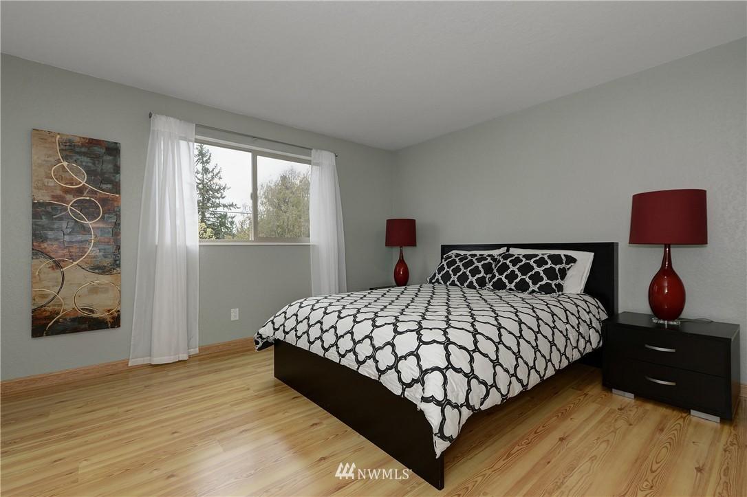 Sold Property | 12035 32nd Avenue NE #305 Seattle, WA 98125 8